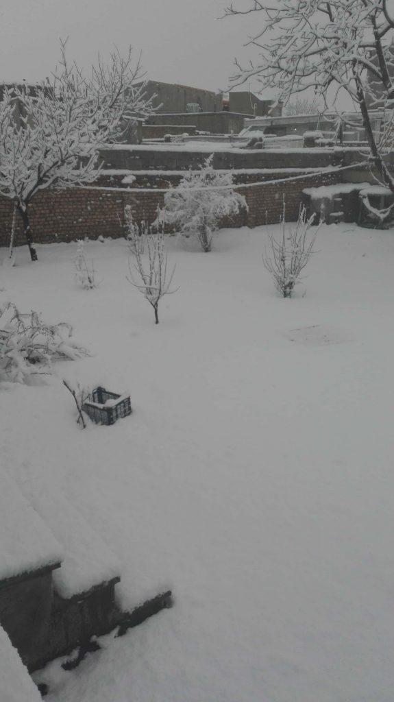 نیسان شهرشتان در برف